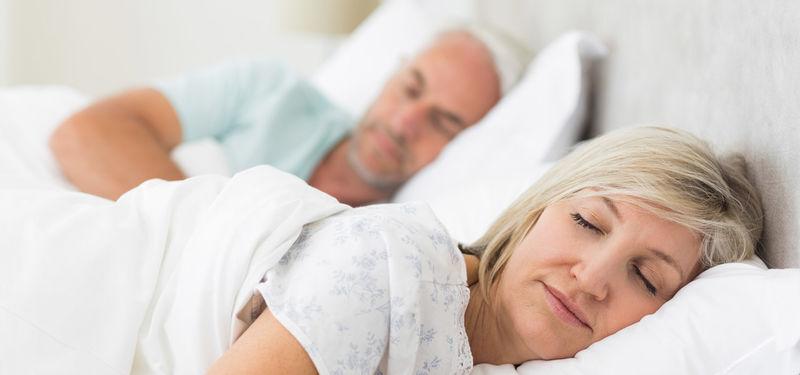 como prevenir los ronquidos al dormir
